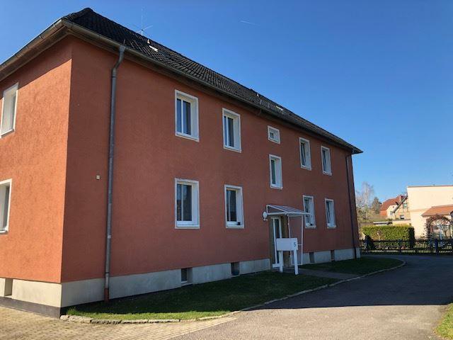 Einziehen und sich wohlfühlen – 3-Zimmer-Wohnung in Meuselwitz , Thür mit Einbauküche und Garten